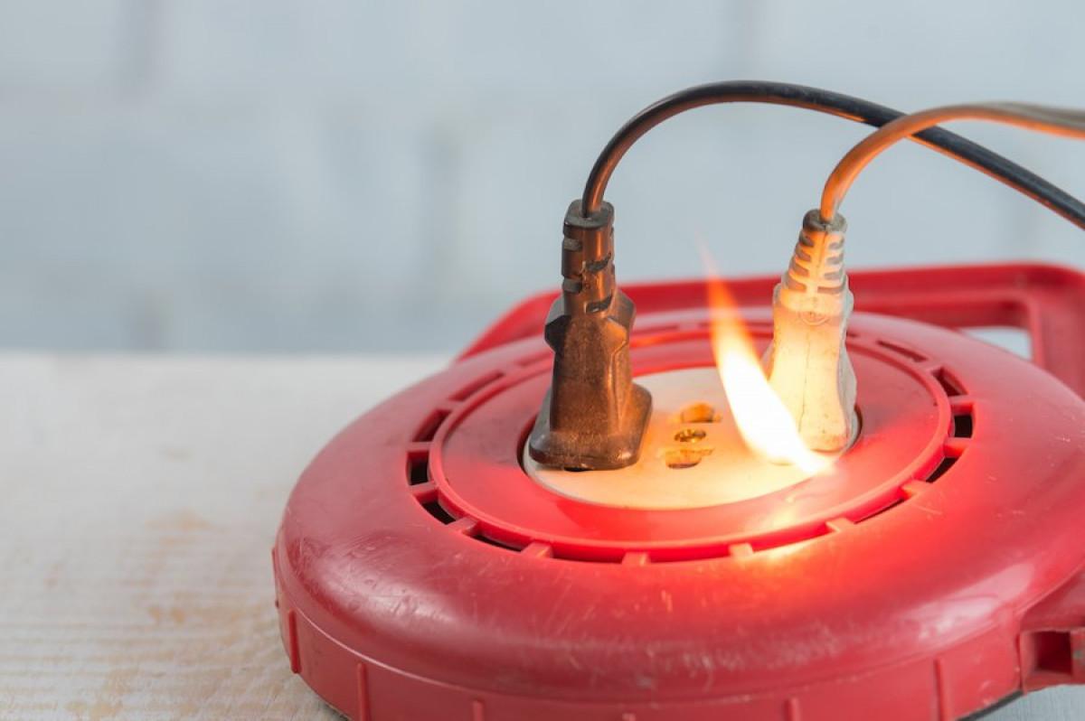 Les dangers de ne pas remplacer un vieux panneau électrique obsolète