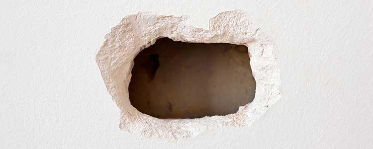 Comment réparer un grand trou