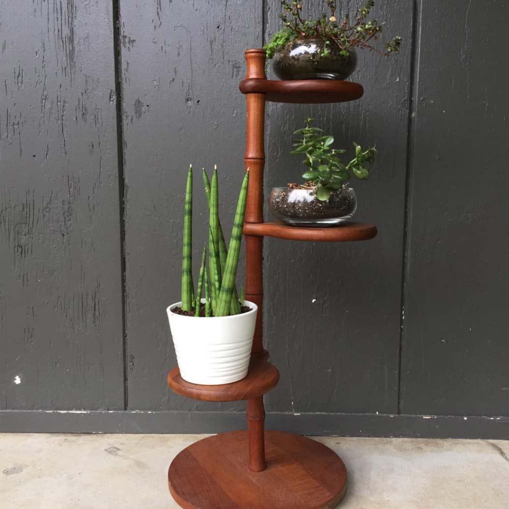 Support à plantes à étagères rondes
