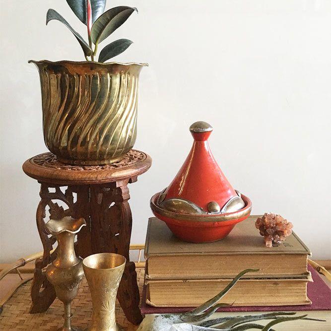 Support de plante en bois sculpté