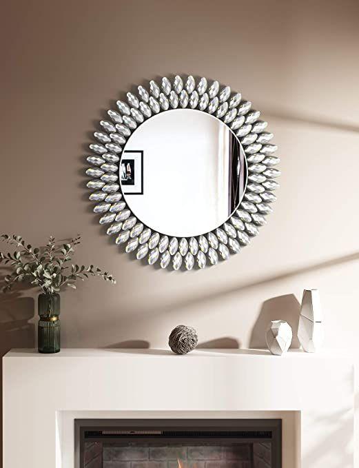 Utilisez des miroirs comme art mural de salon