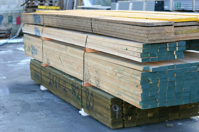 Choisir le bon bois traité sous pression