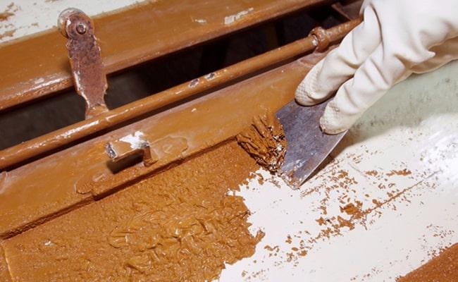 Comment enlever la peinture du métal?