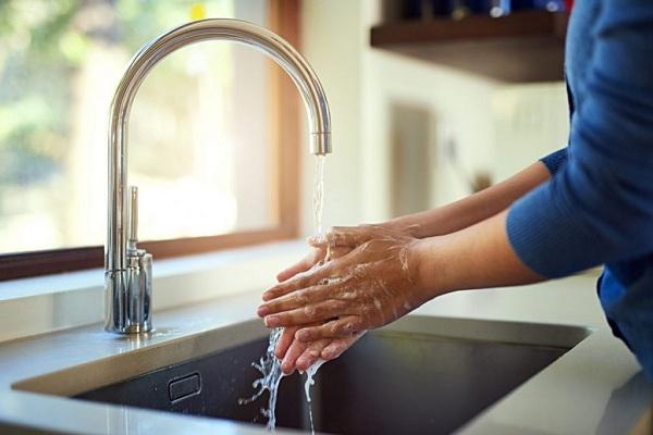 Faible pression d'eau de l'évier