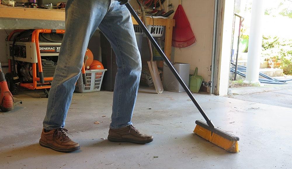 Nettoyez votre garage avant de retourner quoi que ce soit à l'intérieur